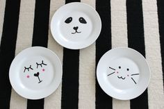 DIY - Mother's Day // Paint porcelain (and there is something for the kids too - Painting Cute Doodle Art, Cute Doodles, Module Design, Cup Decorating, Pin Art, Mother's Day Diy, Ceramic Painting, Diy And Crafts, Decorative Plates