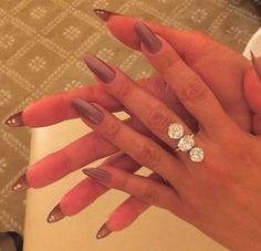 JLO's manicure at the Golden Globes - would love to try this on someone!