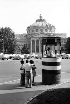 Ateneu 1971 - Militian la borcan Fotografia postată de Rezistența Urbană. Old Pictures, Old Photos, Little Paris, Bucharest Romania, Street View, Memories, Astrology, Police, Buildings