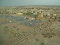 Aéroport, Tombouctou, Mali#L'un des endroits mythiques de la planète qui a fait fantasmer bien des routards. Cette ville, 36 000 habitants, « cité des 333 Saints » inscrite au Patrimoine mondial de l'Unesco, a été désignée « capitale de la culture islamique » pour l'Afrique en 2006.#http://urlz.fr/3qfL#issuu.com