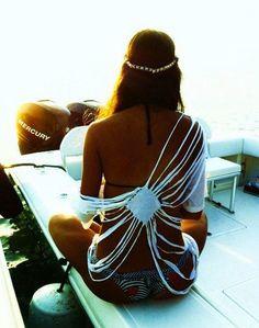 bikini girl diy cut up t-shirt