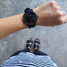 All black watch The Fifth Watches // Fall 2015 Outfits, Fashion Beauty, Girl Fashion, Jewelry Accessories, Fashion Accessories, Nail Ring, Ring Watch, Cool Watches, Bling