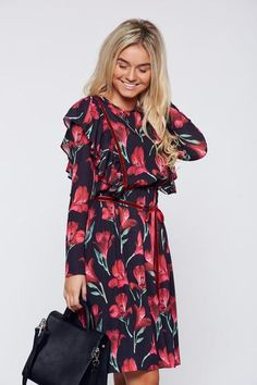 Rochie LaDonna neagra casual cu croi larg cu imprimeu floral - http://hainesic.ro/rochii/rochie-ladonna-neagra-casual-cu-croi-larg-cu-imprimeu-floral-aad91c1b0-starshinersro/