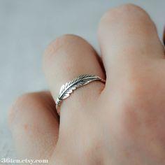 Pluma de anillo anillo de plata esterlina por MockingbirdandMesa