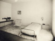 """THE LONDON LIST on Instagram: """"Lilly Reich (1885-1947) woman's bedroom (1930-31) at 'Die Wohnung unserer Zeit' (The dwelling of our time) German Building Exhibition,…"""""""