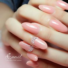 ダイヤモンドって、 本当にキレイに輝きますよね。 キラキラと一瞬眩しいくらいの輝き。 Dream Nails, Love Nails, Fun Nails, Spring Nails, Summer Nails, Office Nails, Nail Art Techniques, Diamond Nails, Elegant Nails