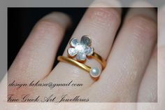 Flower Pearl Ring Sterling Silver Gold plated by LakasaEshopDesign #ring #flower #jewelry #joyas #mujer #woman #moda #silver #jewellery #bestideasgifts #forher #anniversary #birthdaygifts #mylittleprincess #princess #princessjewellery #birthday #δαχτυλιδι #λουλουδι #μαργαριτάρι #floraldesign