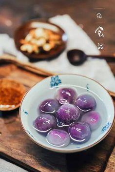 Chinese Purple Yam Tang Yuan (sticky purple sweet potato rice balls) {recipe in Chinese}