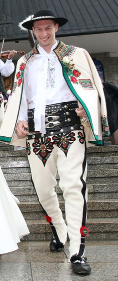 Góral (Polish Highlander) in traditional costume. Polish People, Polish Folk Art, Costumes Around The World, Art Populaire, Ethnic Dress, Folk Costume, People Of The World, World Cultures, Traditional Dresses