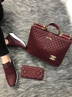 - The chic technique: Burgundy Chanel handbag, wallet. -The chic technique: Burgundy Chanel handbag, wallet. - The chic technique: Burgundy Chanel handbag, wallet. Burberry Handbags, Chanel Handbags, Louis Vuitton Handbags, Fashion Handbags, Fashion Bags, Leather Handbags, Celine Handbags, Chanel Bags, Mk Handbags