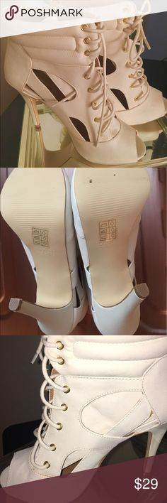 CALL IT SPRING Heels NEW White pumps , goes win every outfit Shoes Heels