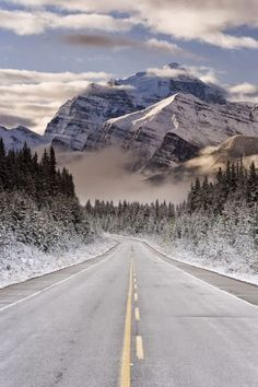 The Icefields Parkway, Banff-Jasper National Parks, Rocky Mountains, Canada. Extending from the Interior Plains of Alberta to the Rocky Mountain Trench of British Columbia. Rocky Mountains, Canada Mountains, Beautiful World, Beautiful Places, Beautiful Roads, Beautiful Beautiful, Beautiful Scenery, Places To See, Places To Travel