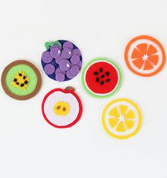 Any summer BBQ is sure to benefit from these adorable Fruit Salad Coasters. With one coaster representing each of the major summer fruits, these delicious felt coasters are sure to spark up an appetite! Felt Coasters, Cool Coasters, Drink Coasters, Craft Projects For Kids, Diy Projects To Try, Project Ideas, Craft Ideas, Felt Diy, Felt Crafts
