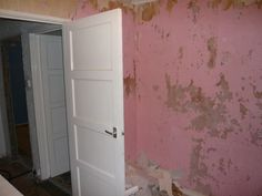 Box room before after wallpaper removed - flaky pink paint and mess Box Room Bedroom Ideas For Kids, Box Room Beds, Kids Bedroom, Bedroom Decor, Kids Boxing, Blue Bedroom, Diy Bed, Clever Diy, Outdoor Decor