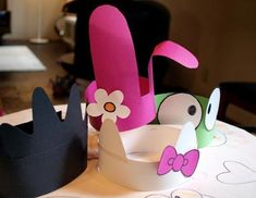 Super simple construction paper hats for Hello Kitty