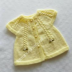 Diy And Craft - Make everything whatever you want. Baby Cardigan, Baby Pullover, Baby Knitting Patterns, Baby Patterns, Hand Knitting, Baby Sweaters, Girls Sweaters, My Newborn Baby, Baby Baby