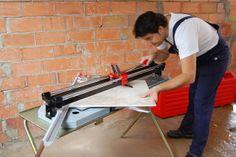 Cortador de cerámica manual TX-1200-N, una herramienta de corte preciso para hacer trabajos impecables. http://www.materialespujante.com/es/483-cortador-profesional-tx-n