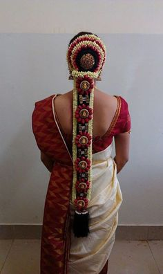 Jadai Bridal Hairstyle Indian Wedding, South Indian Bride Hairstyle, Indian Bridal Hairstyles, Wedding Updo, Bride Hairstyles, Wedding Bride, Open Hairstyles, Hair Decorations, Hair Designs