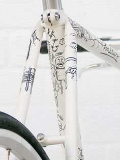 hand-made drawing on bicycle frame. i'd love to do this