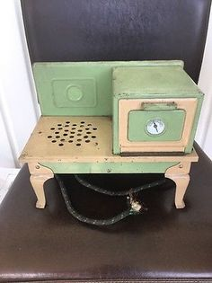 Vintage Childs Electric Stove Toy 1930s Green Tan Kingston Products Doll Bear