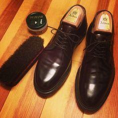 久しぶりに早く家に帰れて久しぶりに靴磨きできてなんか少し幸せです(^_^) takaaki___k, instagram.com