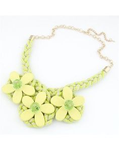 Wooden Flowers Attached Knitting Wool Costume Necklace - Light Yellow