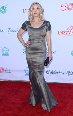 Christina Applegate At The Dizzy Feet Foundation's Celebration Of Dance Gala Child Actresses, Hot Actresses, Golden Globe Nominations, Christina Applegate, In Hollywood, American Actress, Red Carpet, Dancer, Formal Dresses