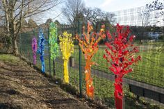 Rainbow Trees From Up-cycled Plastics Recycled Art Recycled Plastic Fence Weaving, Plastic Art, Plastic Items, Plastic Bottles, Plastic Recycling, Plastic Products, Recycled Art Projects, Recycling Projects For School, Upcycled Crafts