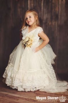 Luxury Vintage Lace Ivory Girl Flower Dress