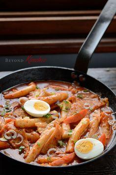 Spicy Korean Rice Cakes, Tteok-pokki (떡볶이) ; fish cake ; anchovies ; seafood ; asian