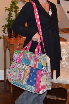 "Lots of good tips for this Amy Butler ""Weekender"" bag"