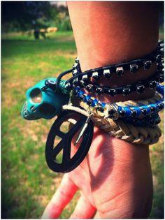 ♥ Hippie Chick, Peace And Love, Boho Fashion, It, Skull, Style Inspiration, Hippy, Bracelets, Leather
