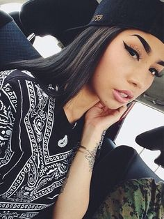 Find images and videos about girl, pretty and beauty on We Heart It - the app to get lost in what you love. Beauty Makeup, Face Makeup, Hair Beauty, Marca Pretty Girl Swag, Chica Chola, Estilo Cholo, Makeup Black, Fashion 90s, Tumbrl Girls