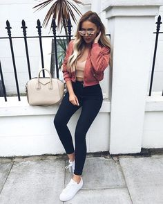 40 Casual Bomber Jacket Outfits for Winters 'Cause it's Back in Trend' – Sayfa 13 – Women Style Mode Outfits, Fall Outfits, Summer Outfits, Casual Outfits, Fashion Outfits, Womens Fashion, Jean Outfits, Fashion Ideas, Fashion Killa