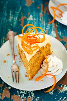 For my birthday, the of April, I made this delicious healthy orange cake. Try it, and enjoy! Healthy Orange Cake, Baking Recipes, Cake Recipes, Healthy Frosting, Moist Carrot Cakes, Happy Foods, Healthy Baking, Healthy Desserts, No Bake Cake
