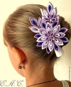 Kanzashi purple white ladies g Tissue Paper Flowers, Cloth Flowers, Satin Flowers, Fabric Flowers, Ribbon Art, Ribbon Hair Bows, Ribbon Crafts, Flower Crafts, Barrettes