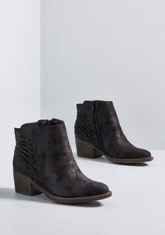 059b9b942e3c ModCloth Kept Under Straps Block Heel Bootie Black - 9 Winter Shoes