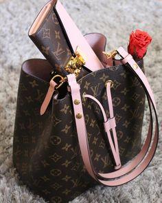 2017 LV Collection In Pink. Louis Vuitton Monogram Neonoe Handbag & Louis Vuitton Wallet For Women. #Louis #Vuitton #Handbags