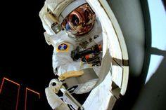 Scott Kelly's amazing selfie on space! #selfie #space = #amazingspaceselfie