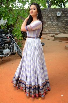 New trendy designs of Long length ethnic dresses with old/new sarees - Indian Fashion Ideas Long Dress Design, Stylish Dress Designs, Cotton Long Dress, Long Gown Dress, Stylish Sarees, Stylish Dresses, Indian Designer Outfits, Designer Dresses, Designer Wear