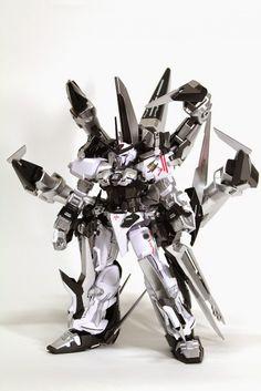 Custom Build: Gundam Astray Silver Frame - Gundam Kits Collection News and… Gundam Exia, Gundam Astray, Crazy Robot, Astray Red Frame, Japanese Robot, Arte Robot, Nerd, Custom Gundam, Suit Of Armor