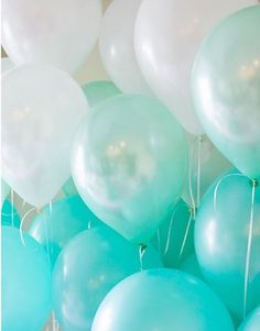 Light Blue Robin's Egg Ombre Blue Mix Latex Balloons by PartyHaus