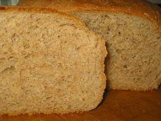 Ржаной хлеб 1.5 стакана ржаной муки 1.5 стакана обычной муки 1.5 стакана теплой воды 1 ст. ложка растительного масла 1 столовая ложка сухих дрожжей 1 ч. ложка соли 0.5 ст. ложки сахара