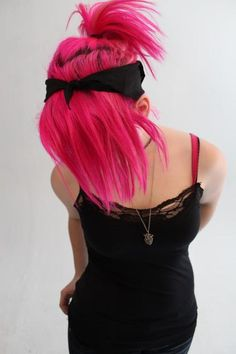 Pink hair--i love that pink!--not sure i would actually do that to my hair but i love it! Check out Dieting Digest