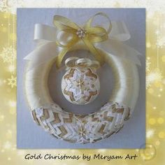 Christmas Tree Design, Gold Christmas, Christmas Baubles, Christmas Wreaths, Folded Fabric Ornaments, Quilted Ornaments, Ball Ornaments, Christmas Tags Handmade, Shabby Chic Ribbon