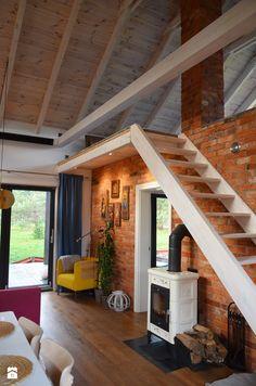 """dom """"stodoła"""" na skraju lasu - zdjęcie od Helena Michel Design - Salon - Styl Skandynawski - Helena Michel Design"""