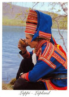 Good example of traditional Saami garb