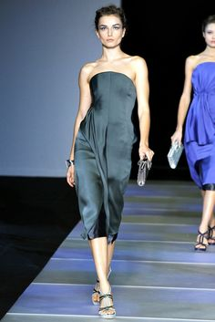 Giorgio Armani Spring 2012 Ready-to-Wear Fashion Show - Andreea Diaconu