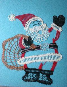 Noël approche...dur de ne pas s'en rendre compte, les villes qui s'illuminent, les chants qui résonnent, les sapins et décorations qui poussent dans les jardins ! Cependant il nous manque encore la neige...en voici un peu avec ce bonhomme de neige et...