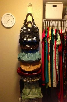 Handbag organization, very cool idea.